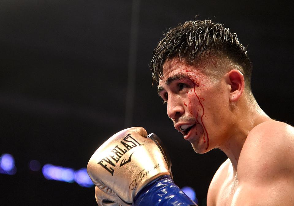 Leo Santa Cruz Vs. Rafael Rivera: Results, Round-By-Round Analysis And Highlights
