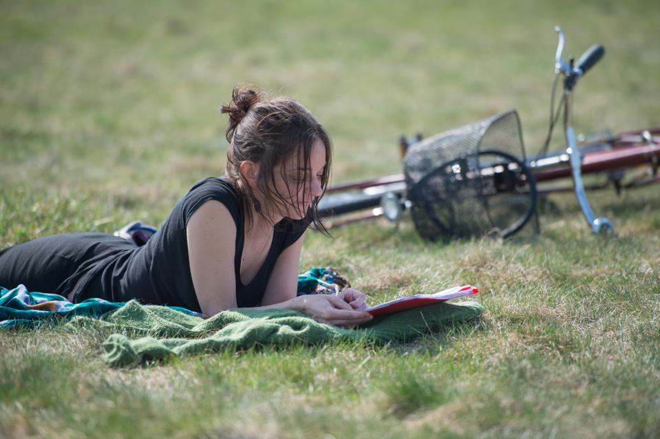 8 Personal Finance Books You Need to Read This Summer