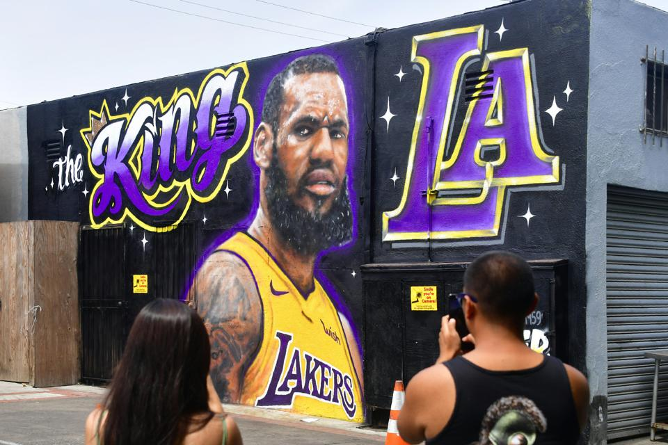 5792258bf A LeBron James Los Angeles Lakers mural by artists Jonas Never and Menso  One was vandalized recently. (Photo credit should read FREDERIC J.  BROWN AFP Getty ...