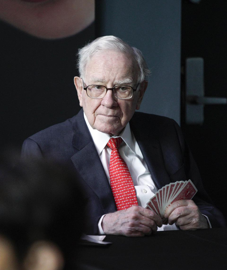 Here's Why Warren Buffett And Other Great Investors Don't Diversify