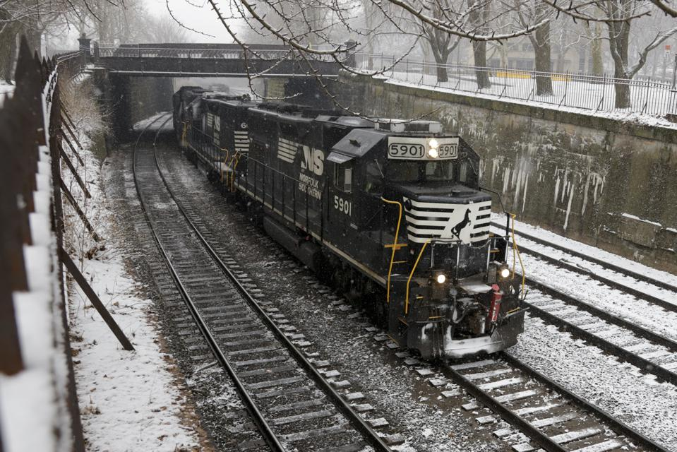 Here's Why Norfolk Southern's Coal Freight Revenues Could Decline In The Near Term