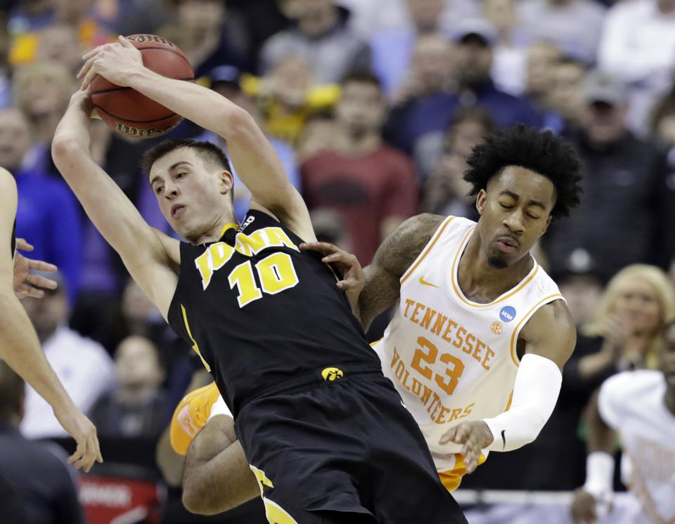 March Madness Sweet Sixteen - Betting The Biggest Games And Updated NCAA Tournament Odds