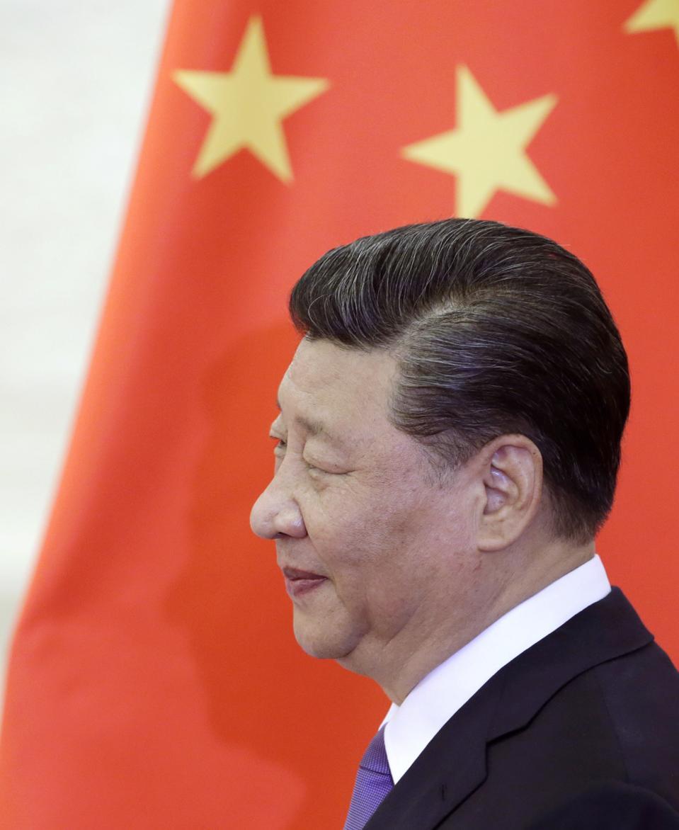 Panicked Investors Flee China Amid Trade War Worries