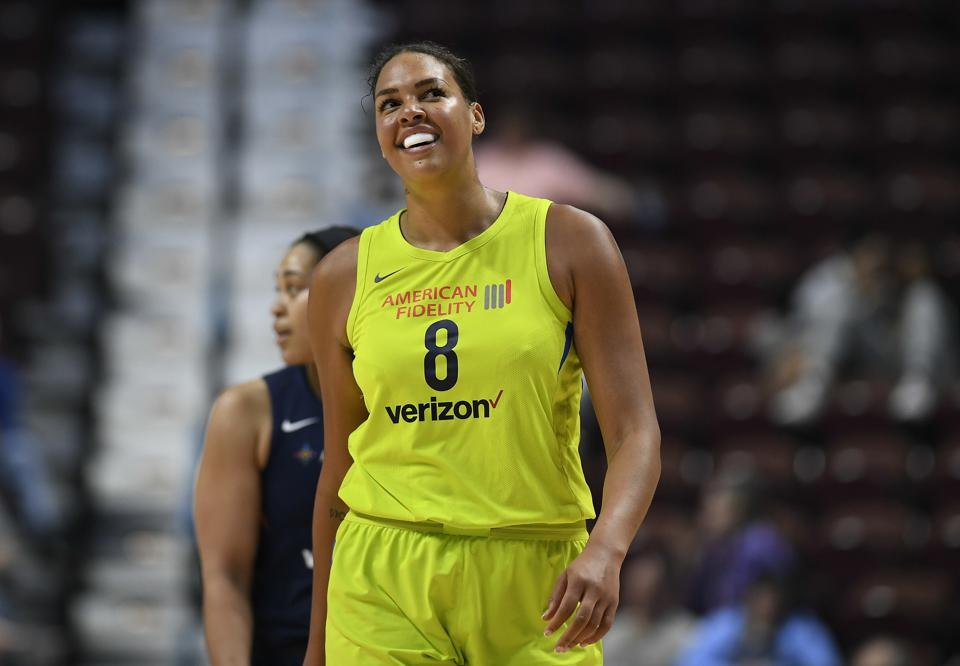 Liz Cambage Demands Trade From The Dallas Wings