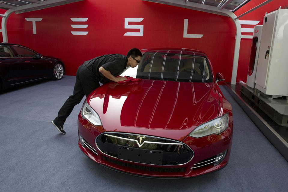 Tesla Short Sellers Start To Throw In The Towel