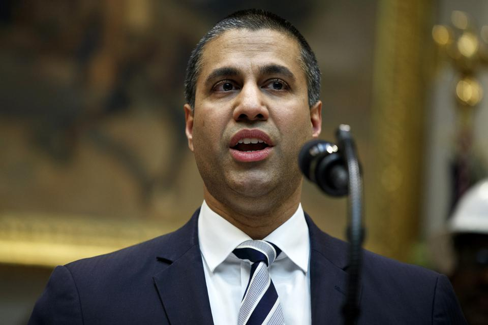 Critics Cry Foul On FCC Support Of T-Mobile/Sprint Deal