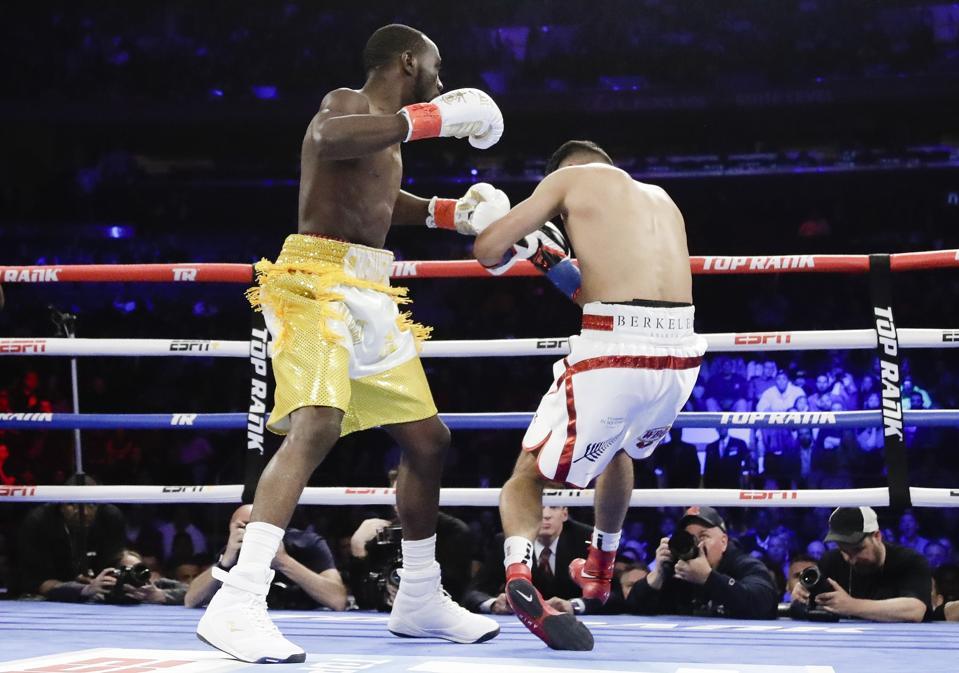 Terence Crawford Vs. Amir Khan Results: Winner, KO Highlight (VIDEO), Analysis And Reaction