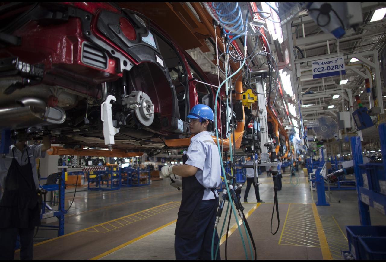 Automotive Manufacturers Invest In Digitization, Autonomous And Electric Vehicles