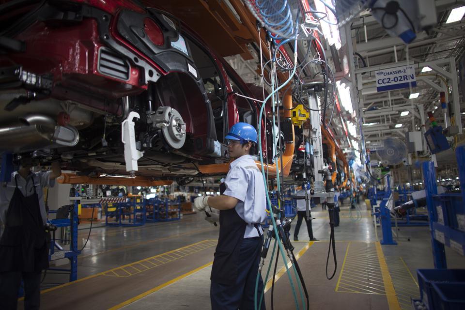 Automotive Manufacturers Invest with a Focus on Digitization, Autonomous, and Electric Vehicles