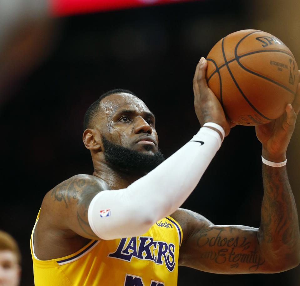 Charles Barkley Says LeBron, Lakers Will Miss The NBA Playoffs