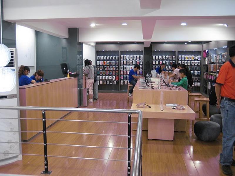 Kunming's 'Apple' store interior