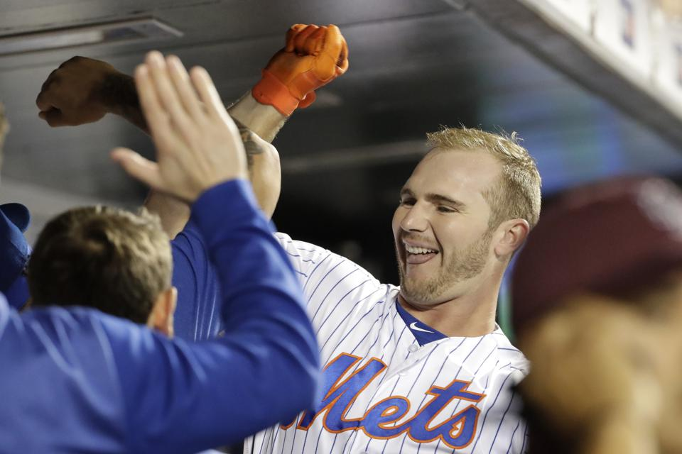Pete Alonso Pursues Power Marks Plus Rookie Of The Year Trophy