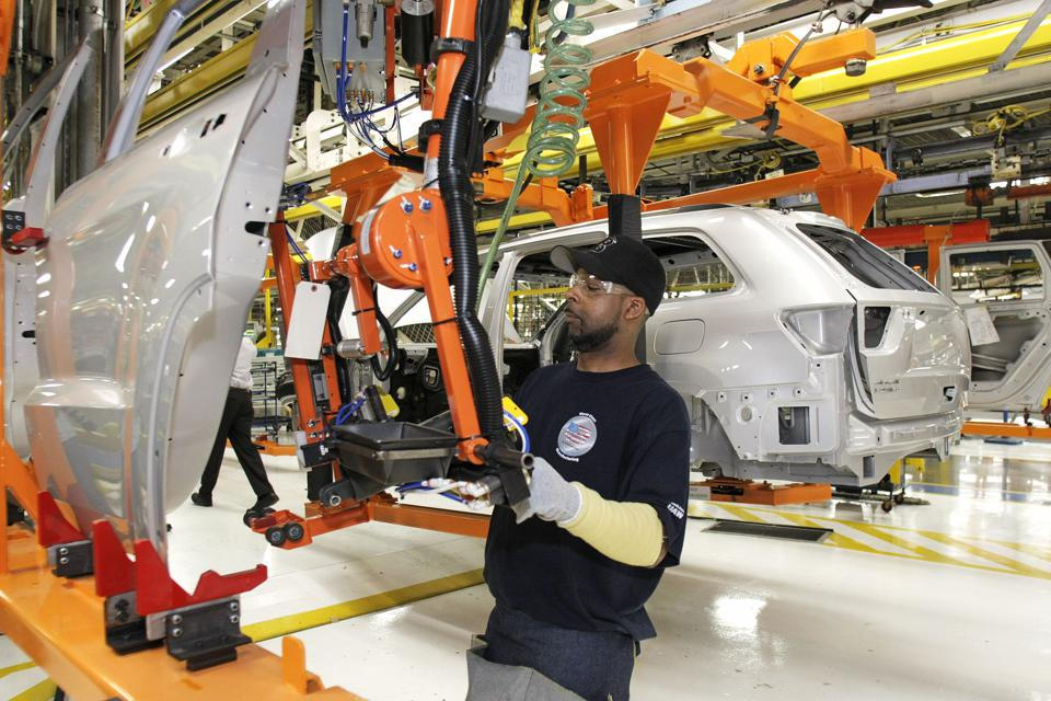 Chrysler CEO, Michigan Political Leaders Visit Assembly Plant In Detroit