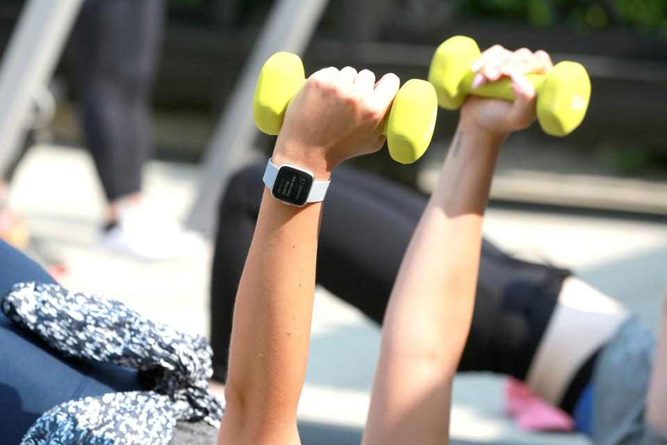 Fitbit And PH5 Host Harley Pasternak Workout