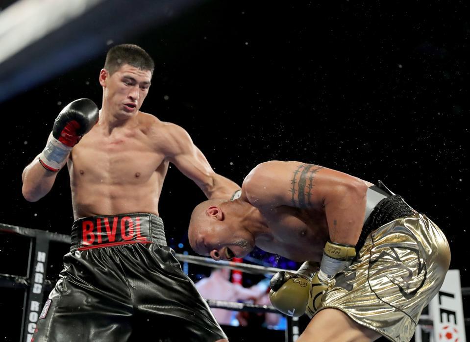 Dmitry Bivol vs Canelo Alvarez