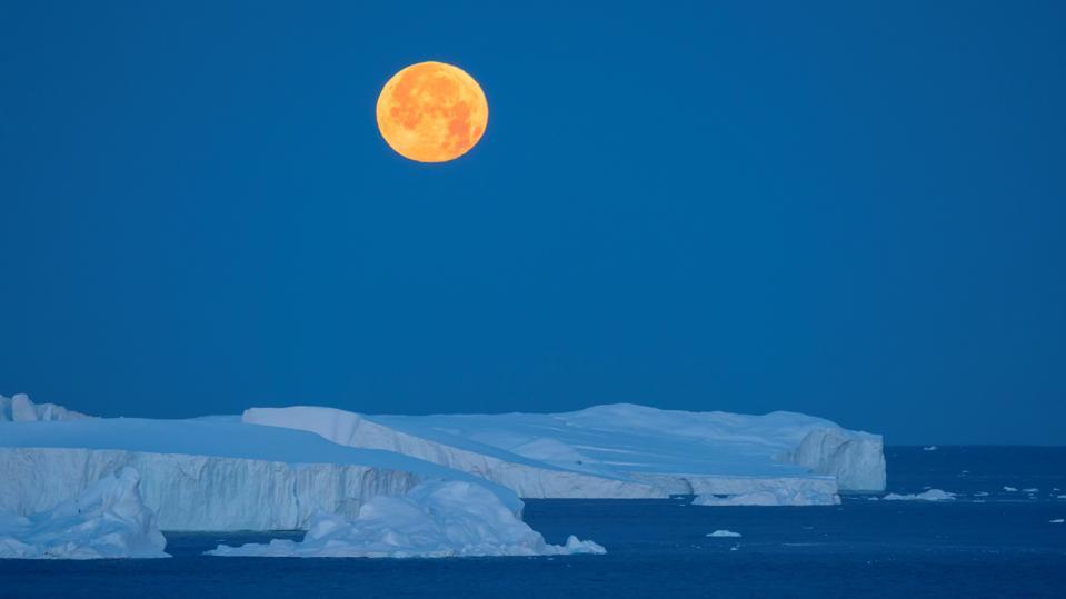 Full Moon in Greenland.
