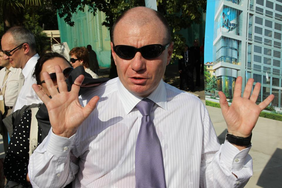 Russia S Richest Man Gets To Work While Confidence In President Putin Falls Flat