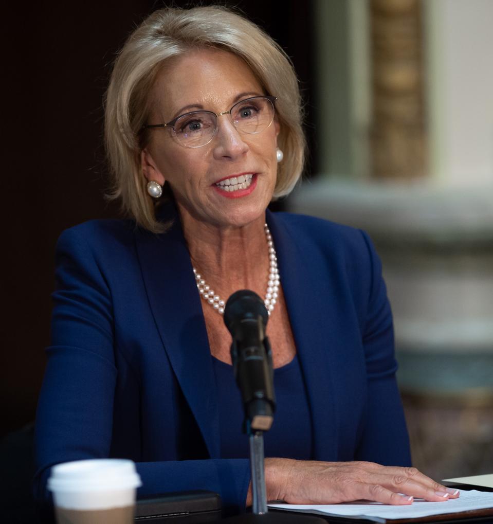 US-POLITICS-SCHOOL-SAFETY
