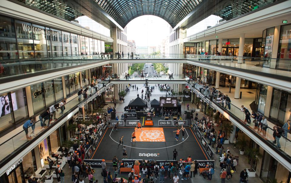 Basketball at the Mall of Berlin