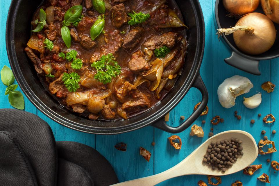 8 Of The Best Dutch Ovens For Simple Stovetop To Oven Cooking