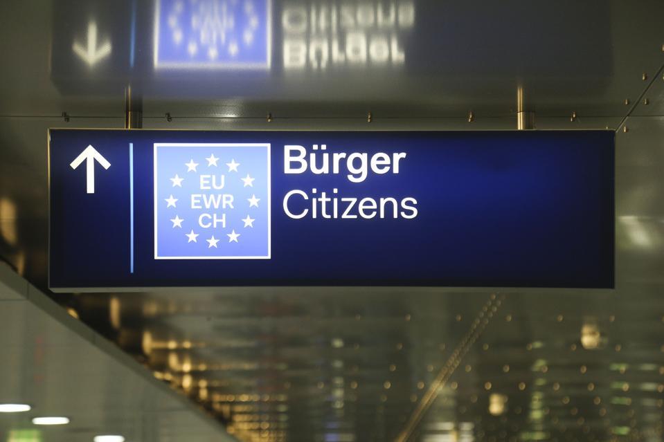 EU Signs In Dusseldorf Airport