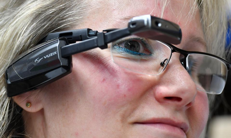 Smartglasses for the deaf
