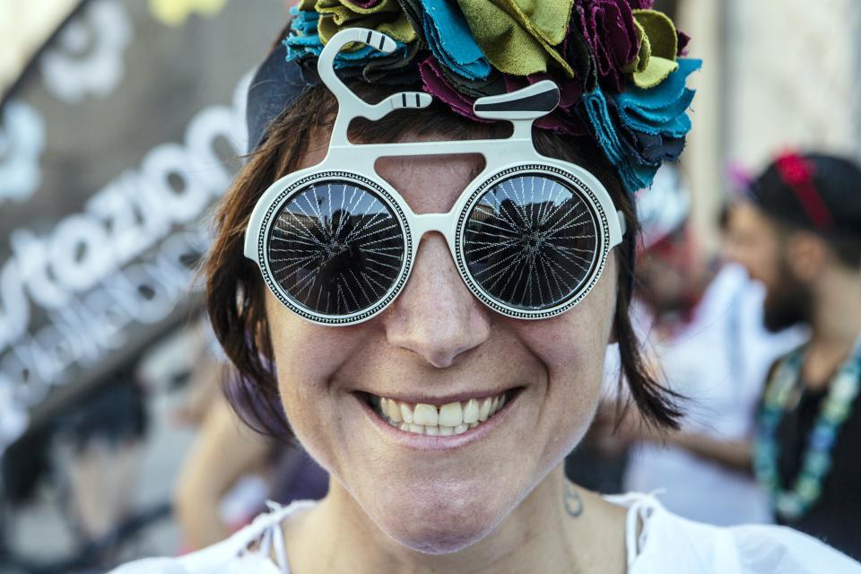 Fancy Women Bike Ride Celebrates Urban Cycling Policies