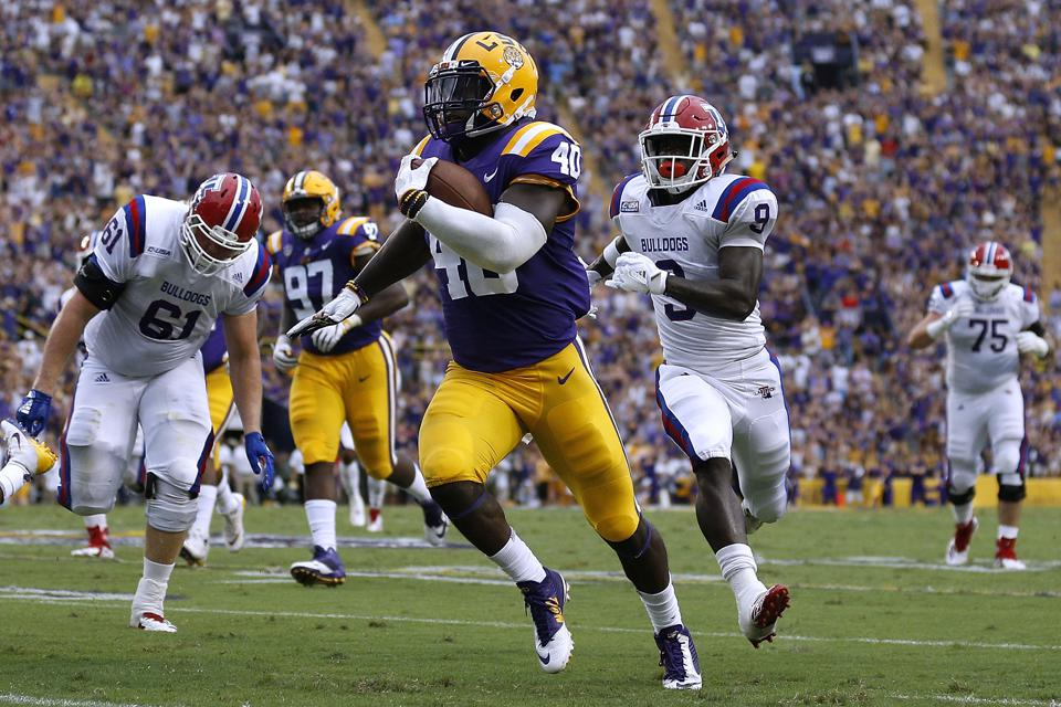 LSU's Devin White returning a fumble against Louisiana Tech on September 22.