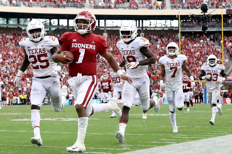 Oklahoma quarterback Kyler Murray running for a touchdown against Texas on October 6.