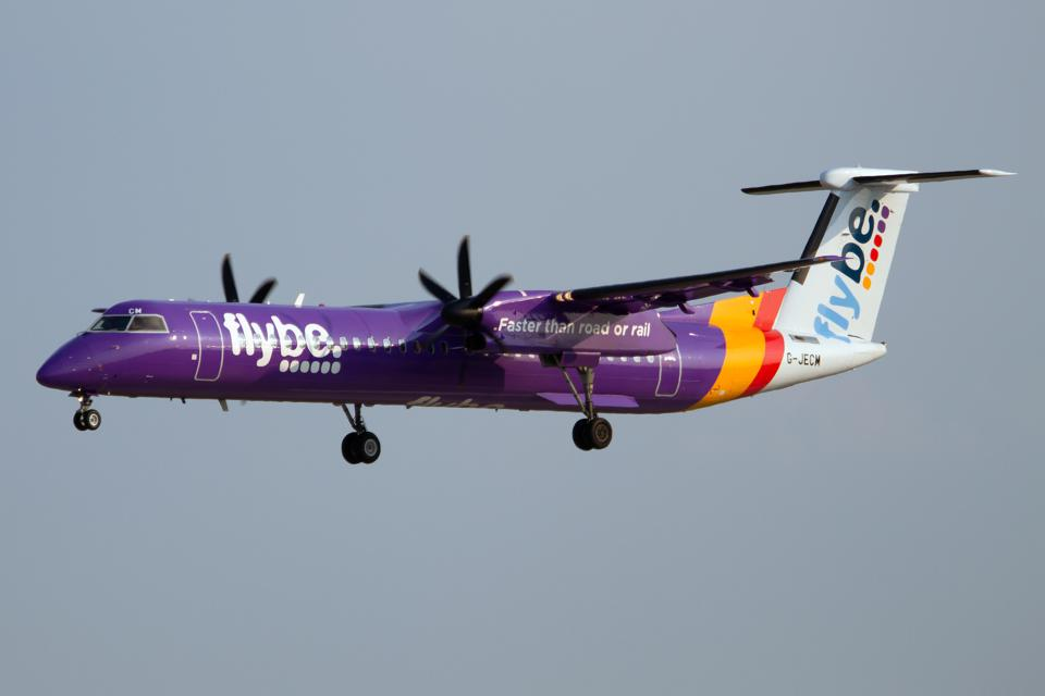 Flybe Bombardier Dash 8-Q400 seen on move at Verona...