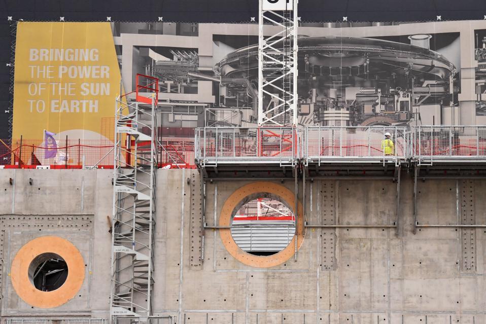 FRA-ENERGY-NUCLEAR-ITER-TOKAMAK