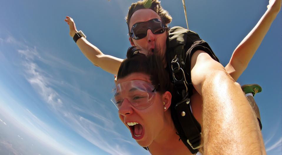 Selfie tandem skydiving