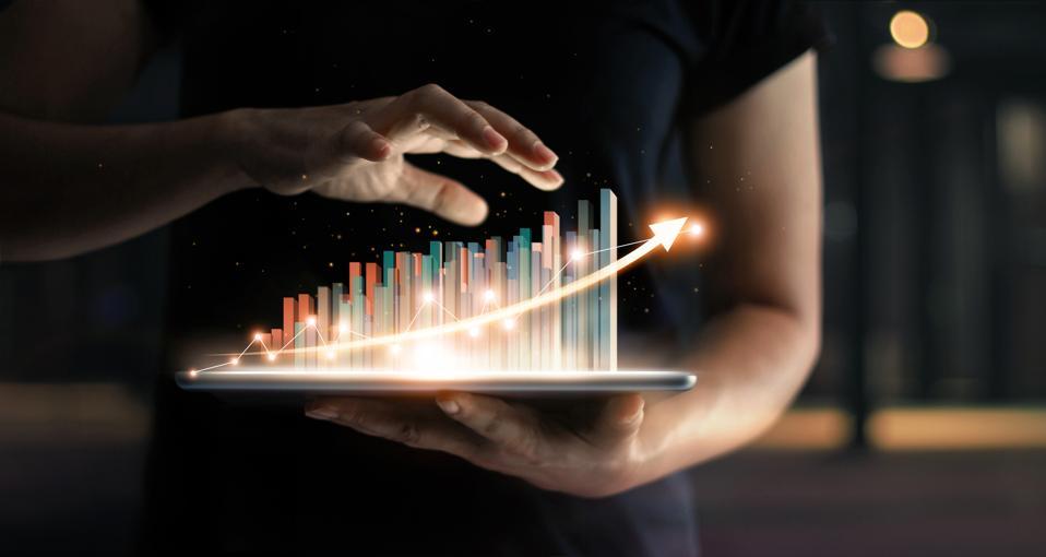 midsize business data growth analytics