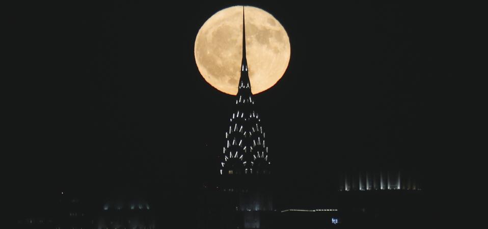 The Full Hunter's Moon rises in New York City