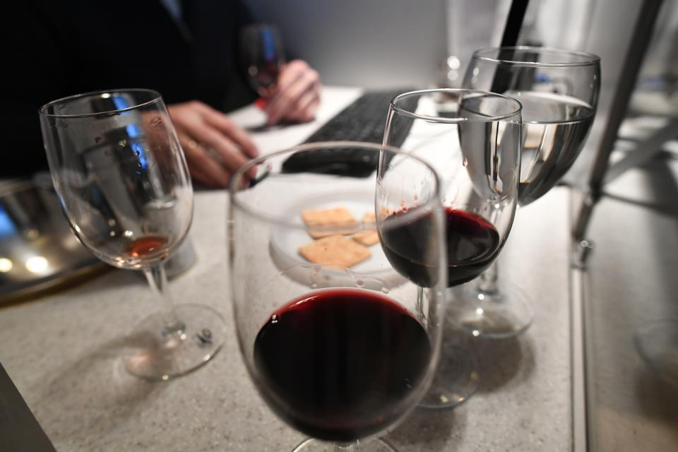 A wine expert at an accredited testing laboratory;