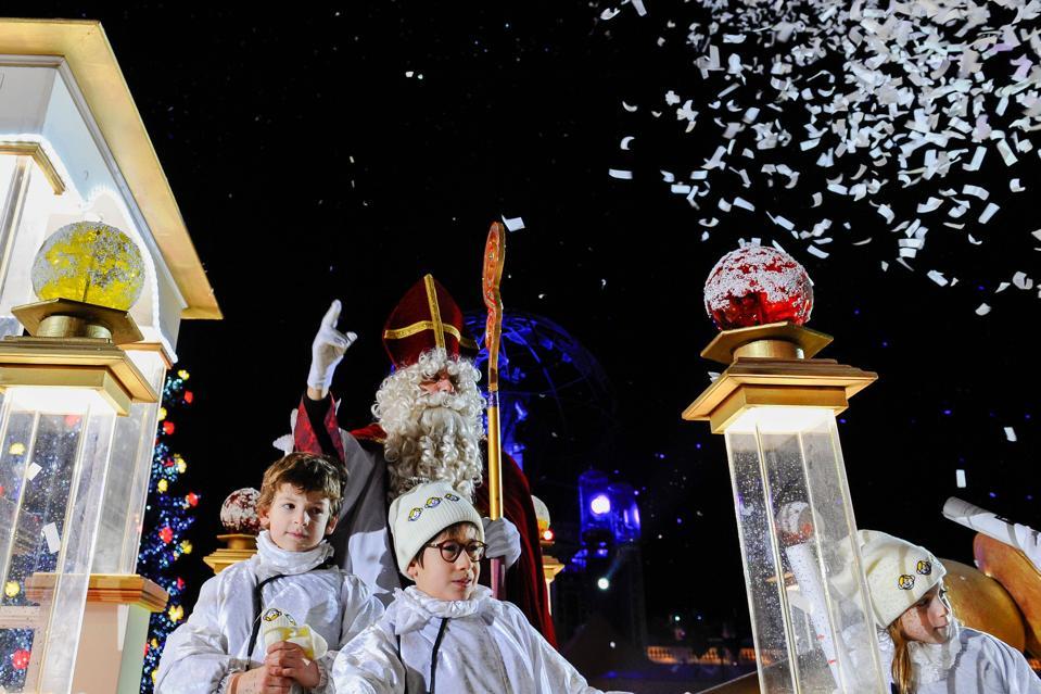 FRANCE-TRADITION-RELIGION-TOURISM-CULTURE-CHRISTMAS