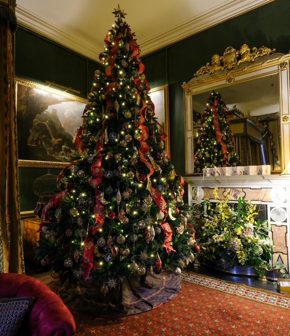 Christmas Comes To Castle Howard YORK, ENGLAND - NOVEMBER 16: Final preparations are made to Christmas decorations with a theme of the Twelve Days of Christmas during a media preview event at Castle Howard on November 16, 2018 in York, England. Design team Charlotte Lloyd Webber and Bretta Gereke have worked with the Twelve Days of Christmas theme to produce flamboyant displays and installations throughout the North Yorkshire stately home. The display runs until New Years Eve. (Photo by Ian Forsyth/Getty Images)