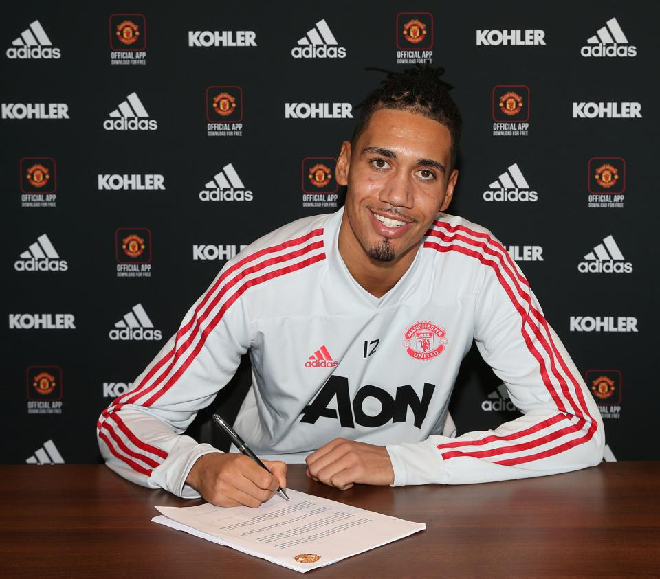 Chris Smalling Signs a New Contract at Manchester United