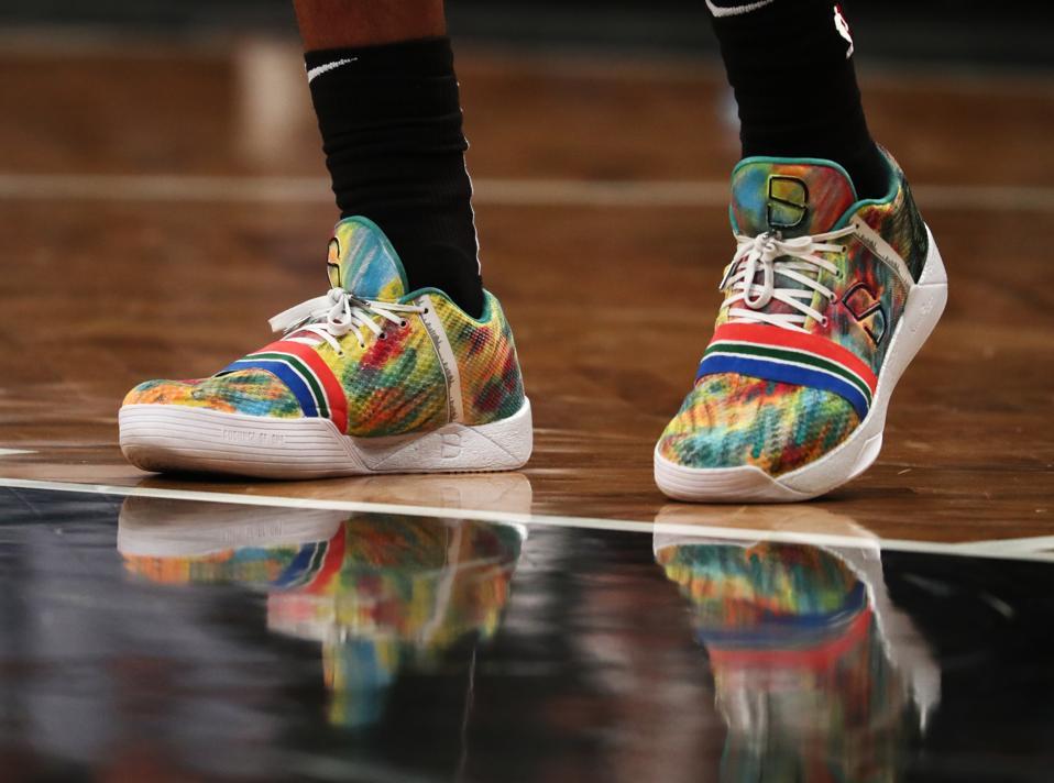 Dinwiddie sneakers