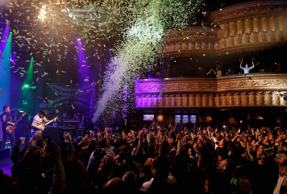 House of Blues - Chicago - 2018 New Year's Eve with Weezer