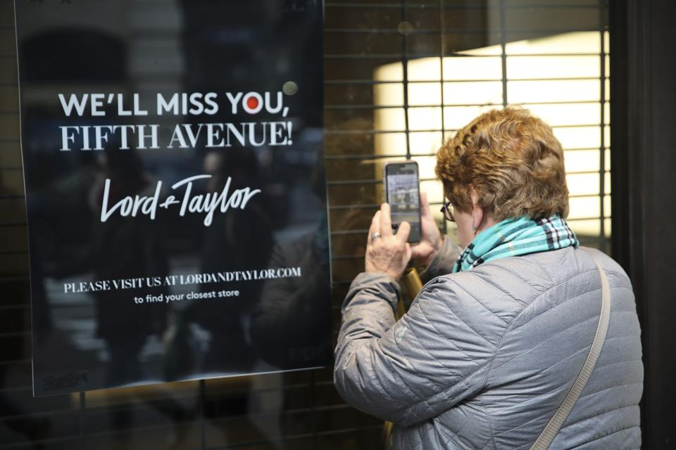 U.S.-NEW YORK-LORD & TAYLOR FLAGSHIP STORE ON FIFTH AVENUE-CLOSURE