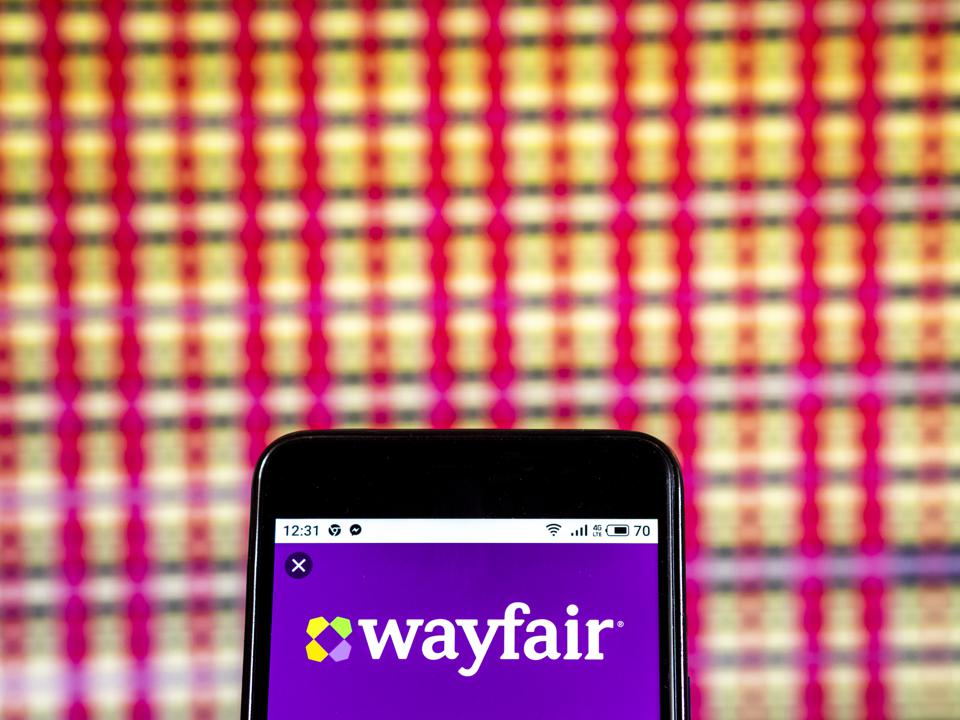 Wayfair Company logo seen displayed on a smart phone