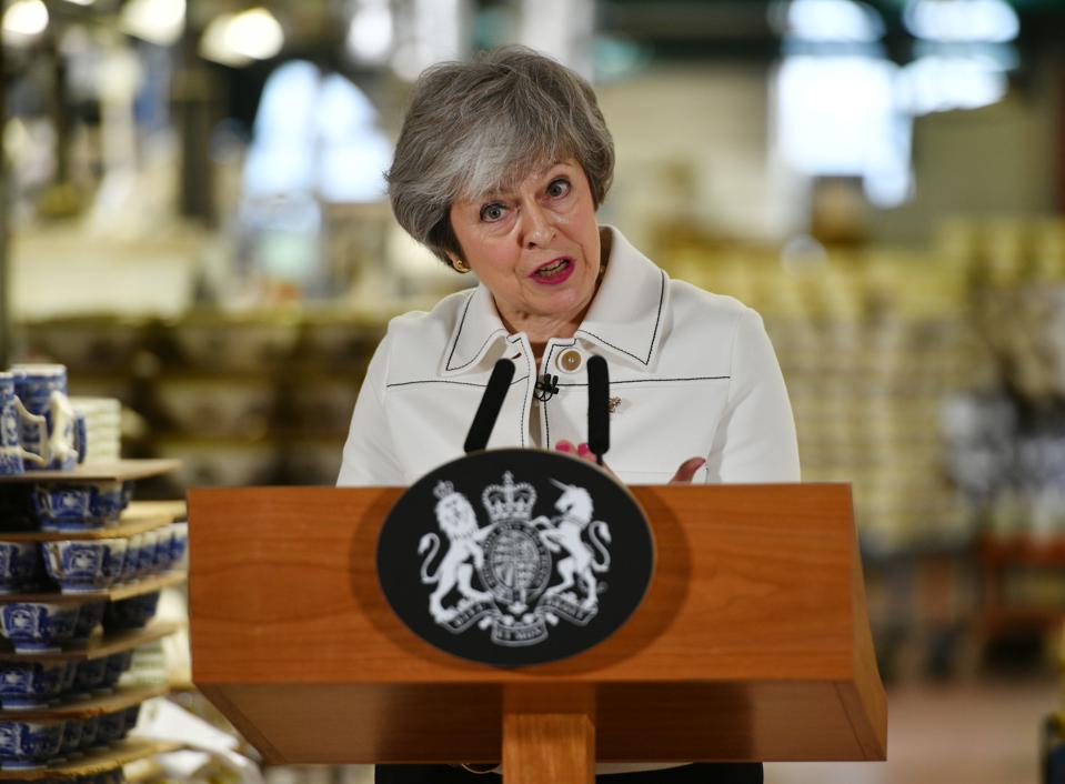 """Theresa May"" apsilanko ""West Midlands"" versle"