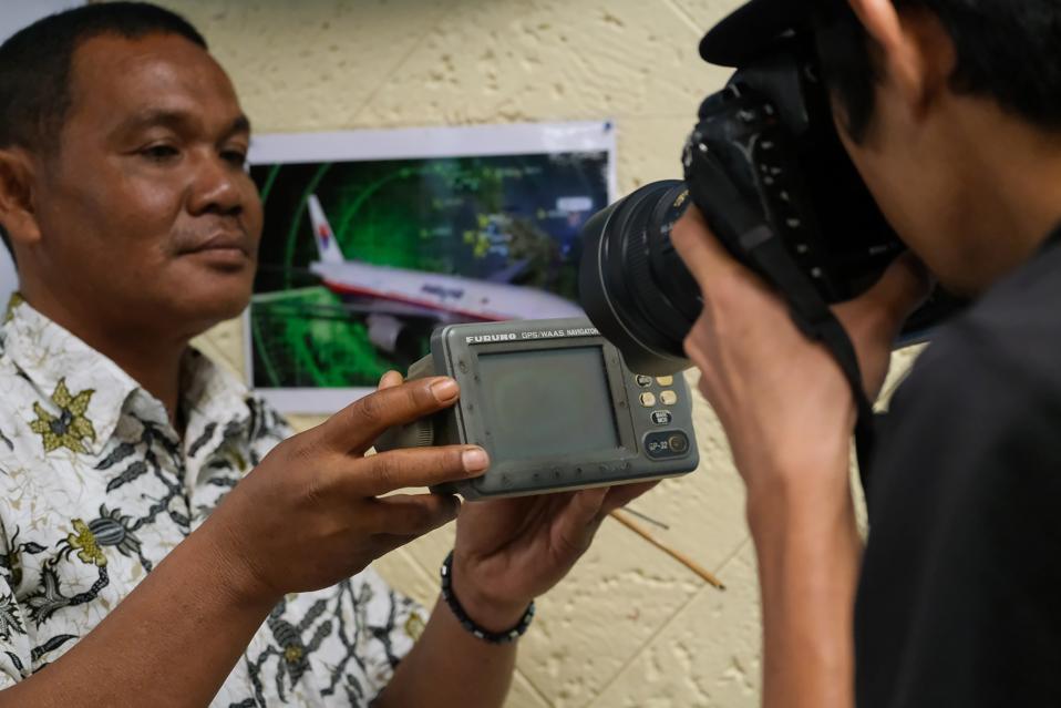 Fishermen Claim To Have Witnessed MH370 Crash
