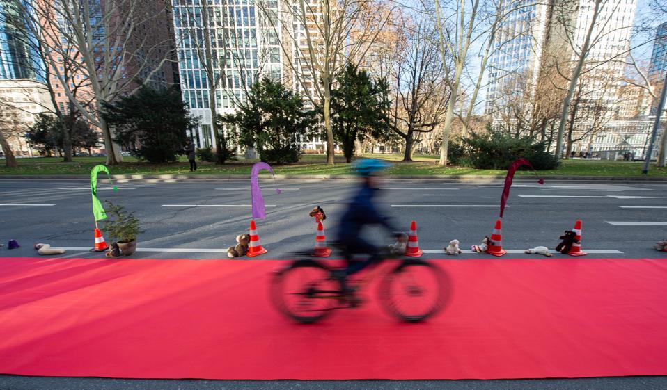 Demo action ″Pop-up cycle path″ Frankfurt