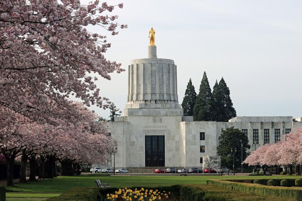 Oregon state capitol building in Salem Oregon state capitol building in Salem Oregon+D2,D141D2,D141