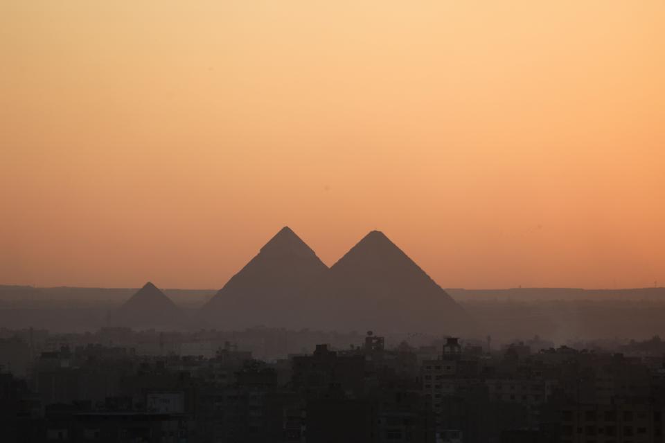 EGYPT-SUNSENT-PYRAMIDS