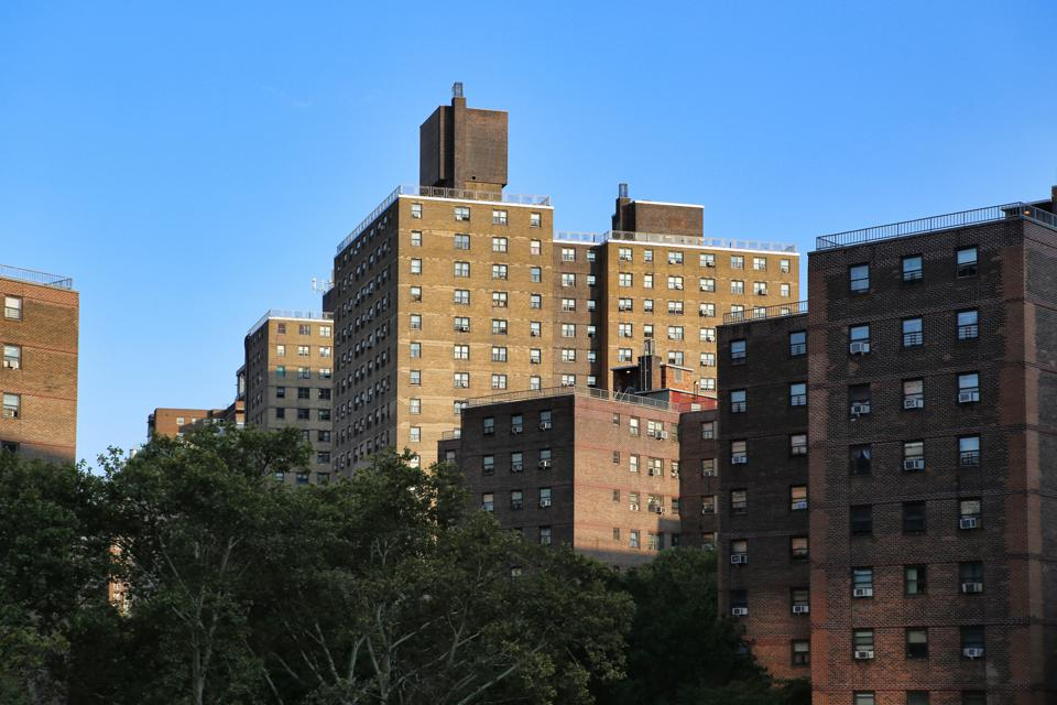 A housing subcommittee hearing reinforces the need for the $100-billion rental assistance.