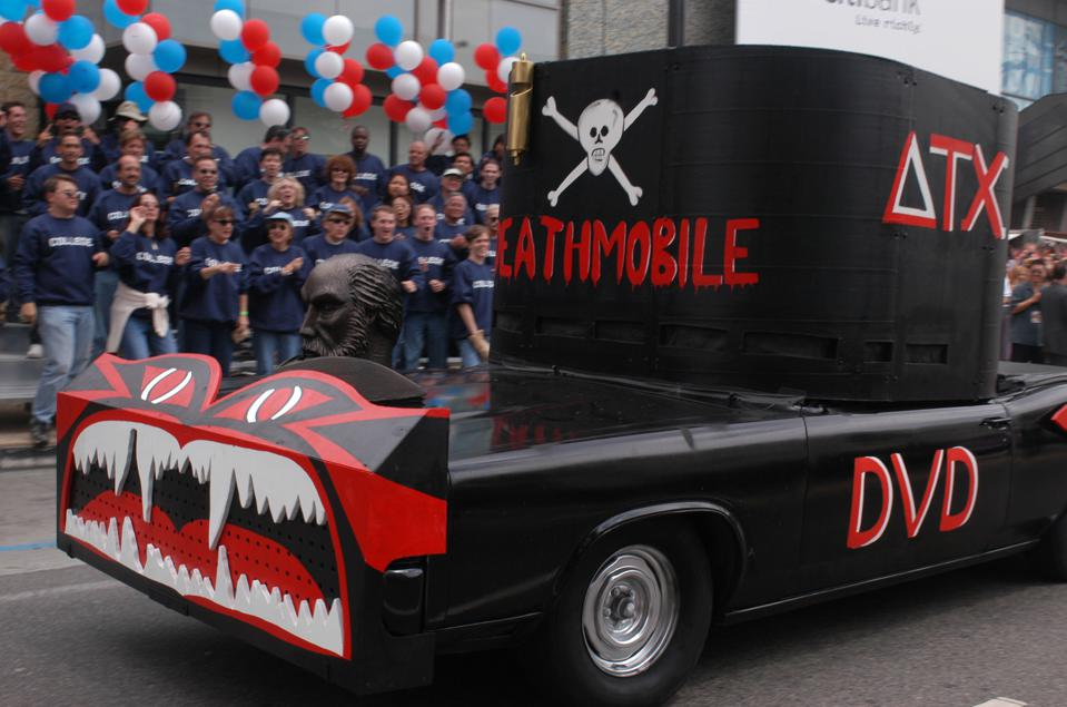Animal House 25th Anniversary Ultimate Homecoming Parade & DVD Release Extravaganza