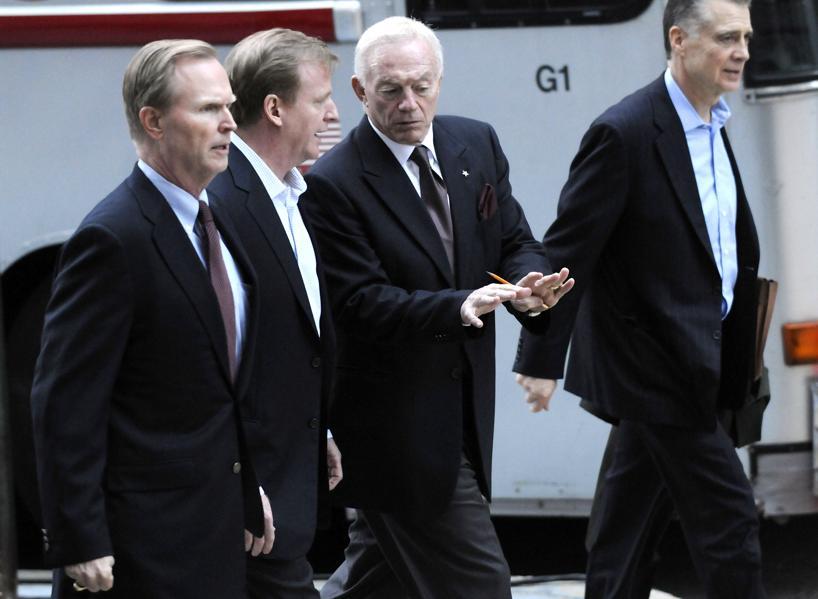 This Week In Sports Law: NFL Against Jerry Jones, Ezekiel Elliott Ends Suit, MLB Speed Of Play